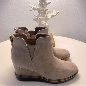 Dr. Scholl's Wedge bootie, Wedge boot, Tan boot